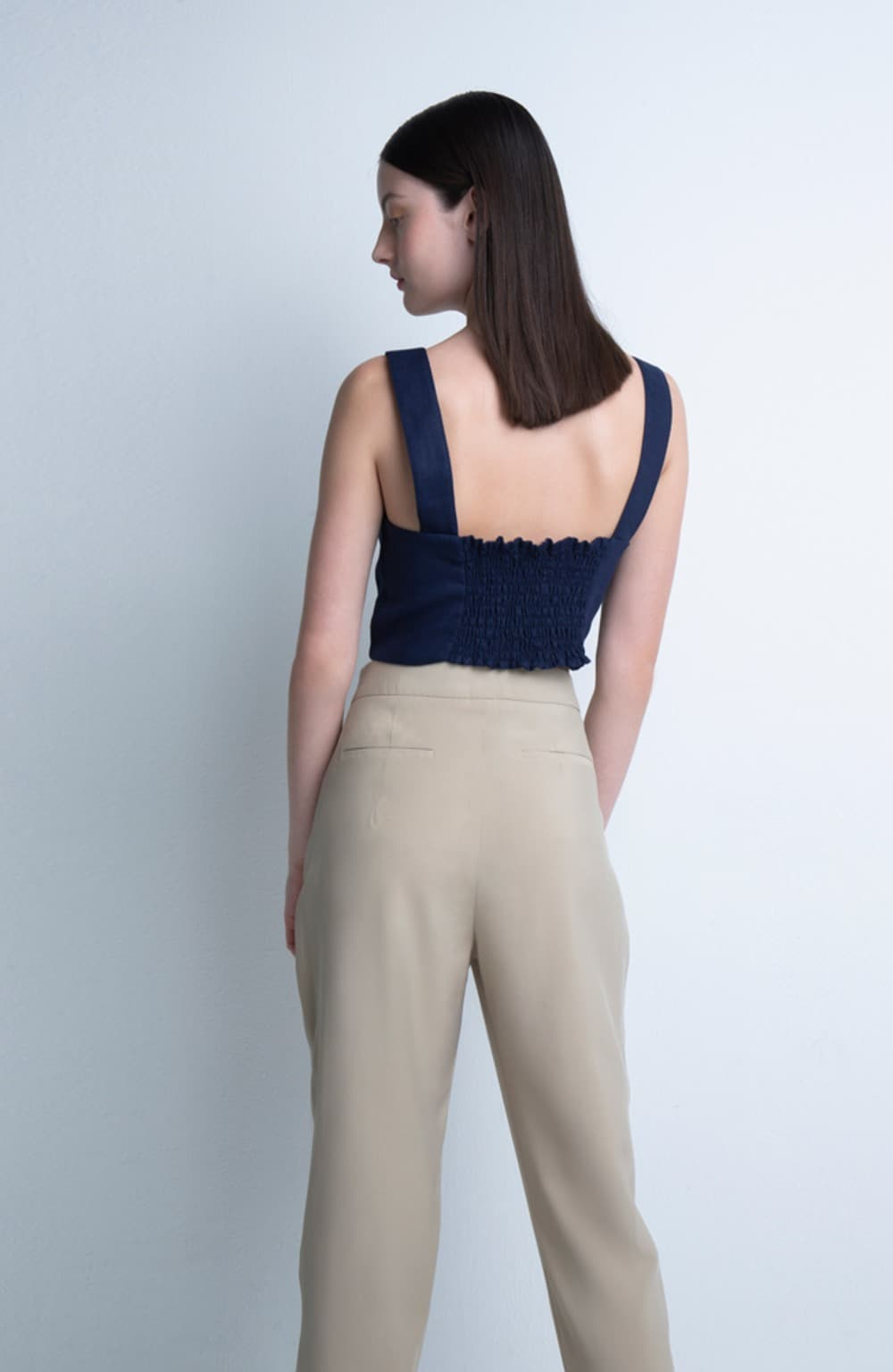 top cropped laila