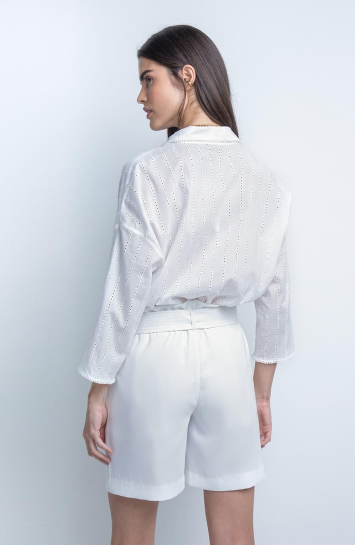 bermuda off white faixa costuras