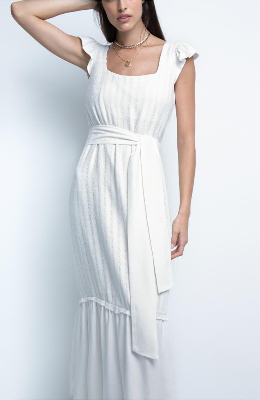 vestido off white detalhe babado gisele
