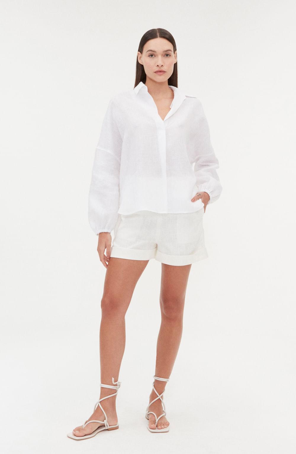 camisa branca de linho com pregas manga longa