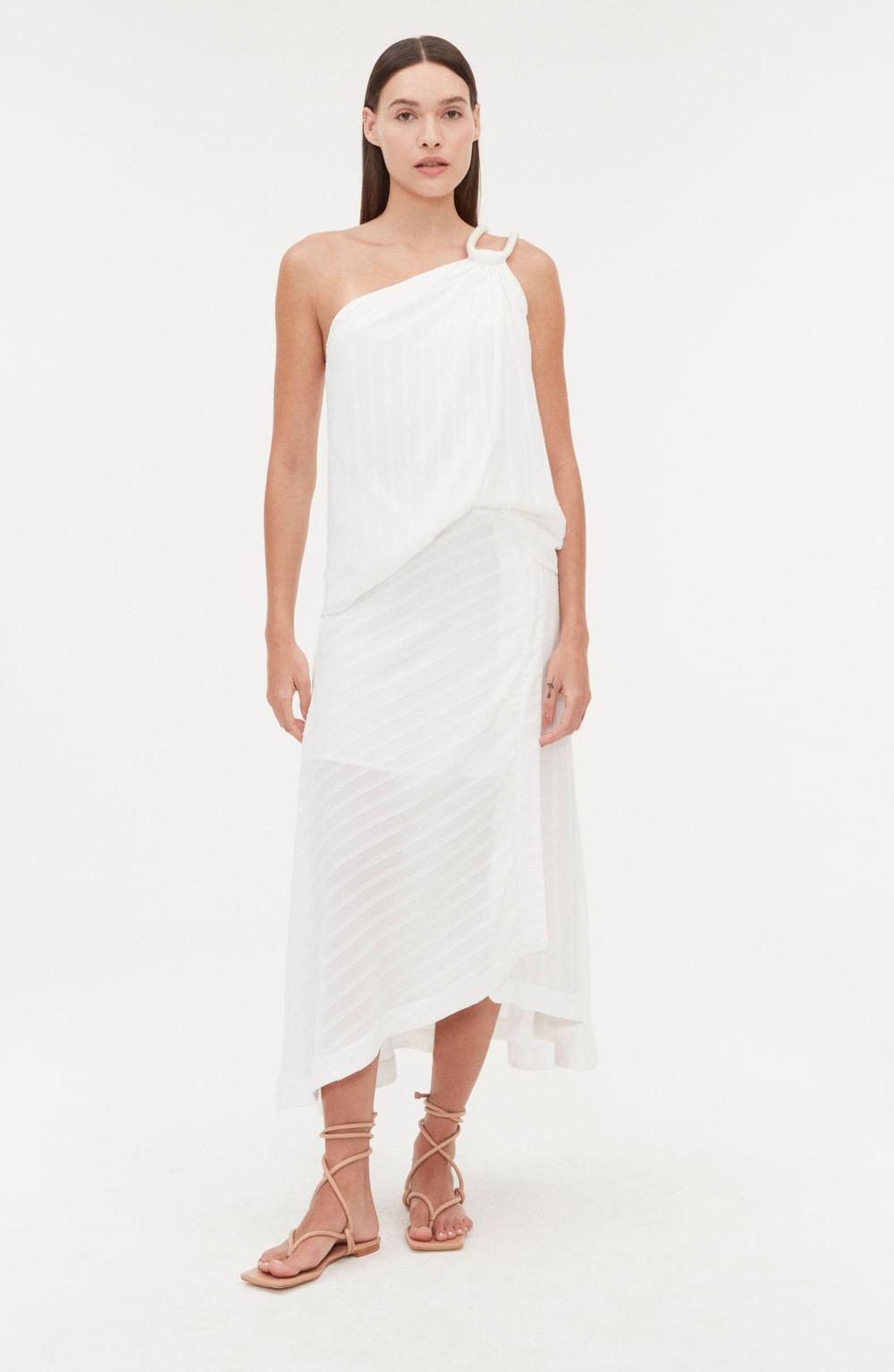 blusa branca um ombro só com detalhe em corda
