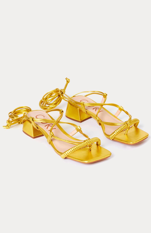 sandália tiras metalizado