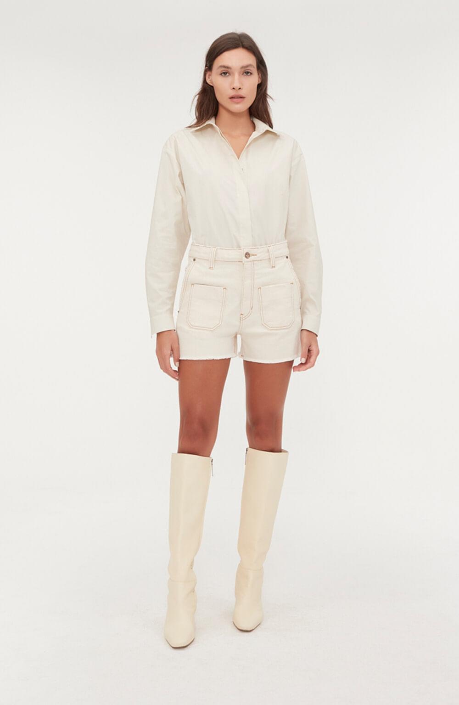 shorts jeans branco com bolso