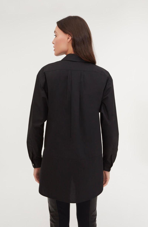 cori-camiseta-alongada-preta-0584240-4