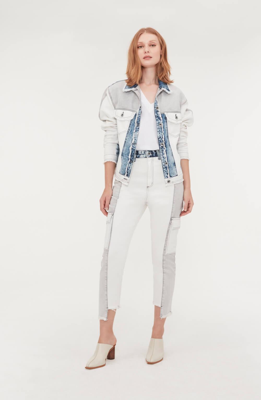 calça jeans mom patch