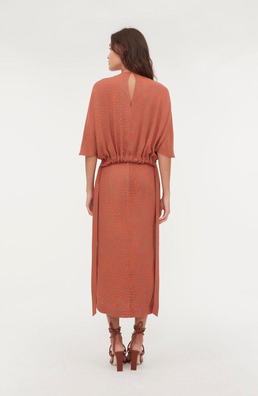 cori-vestido-midi-manga-morcego-poa-laranja-0184141-4