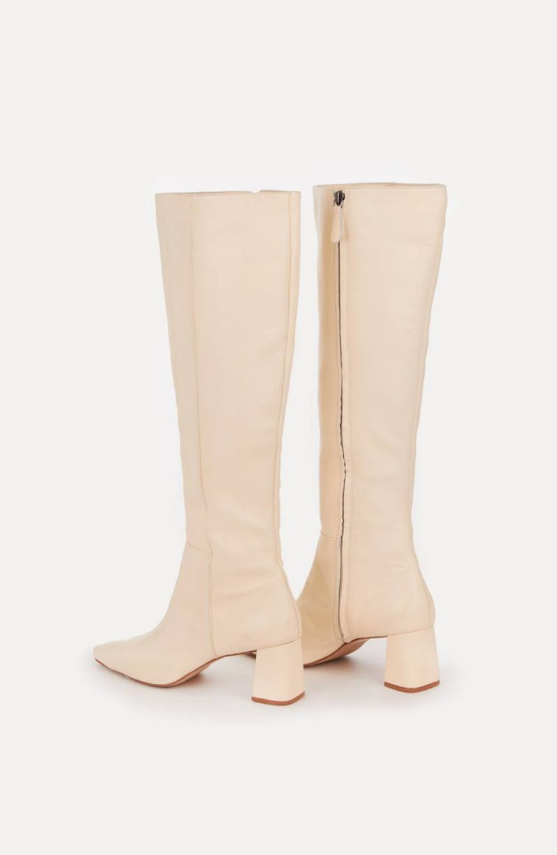 cori-bota-cano-longo-branco-0884354-3