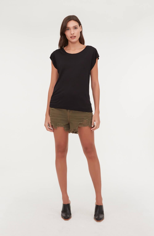 camiseta com elastico na lateral
