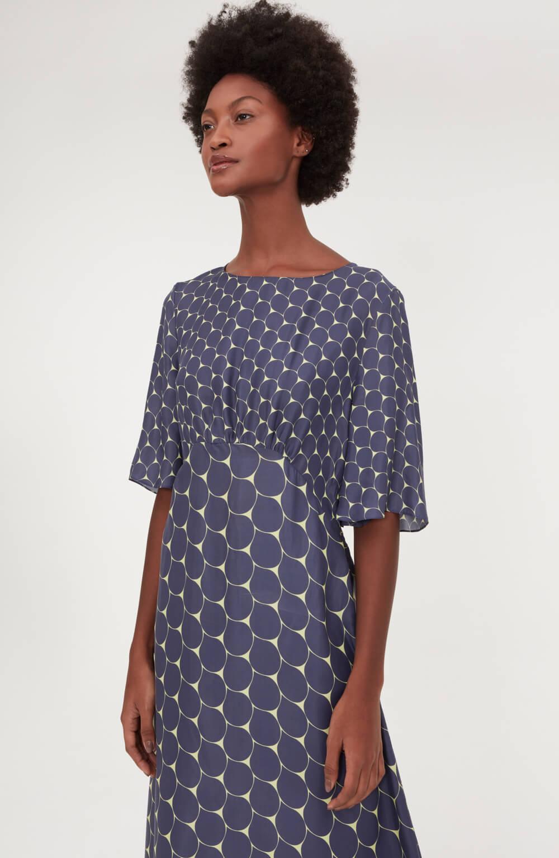 Vestido midi pingos estampado azul
