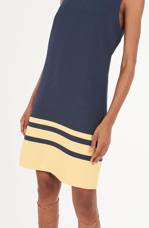 Vestido marinho com listras na barra