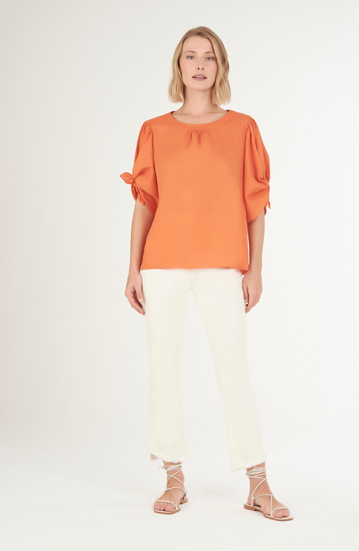 Blusa com amarração na manga laranja